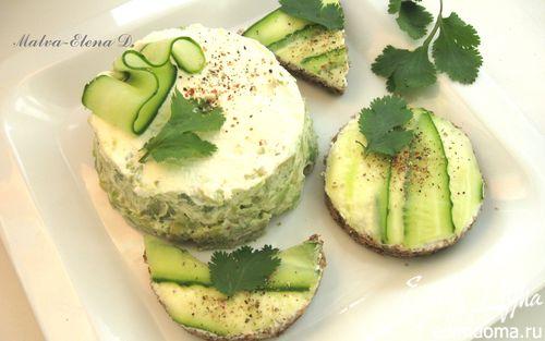 Рецепт Канапе и башенка из авокадо со сливочным сыром
