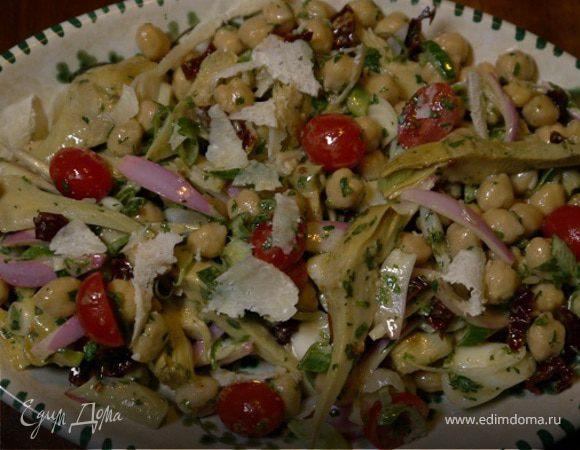 Салат из нута, артишоков и помидоров