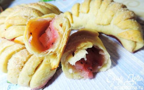 Рецепт Ложное слоеное тесто и рогалики с яблоками из него