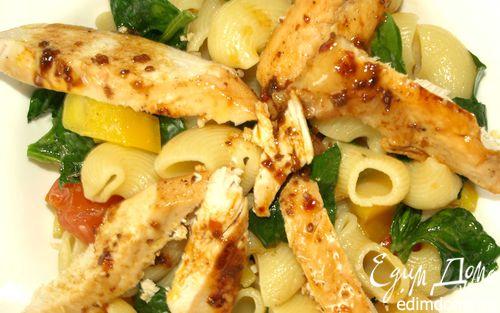 Рецепт Теплый салат из пипе ригате с курицей и шпинатом