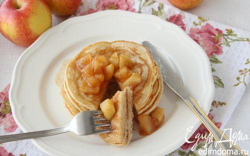 Рецепт Овсяные панкейки с яблочным топпингом