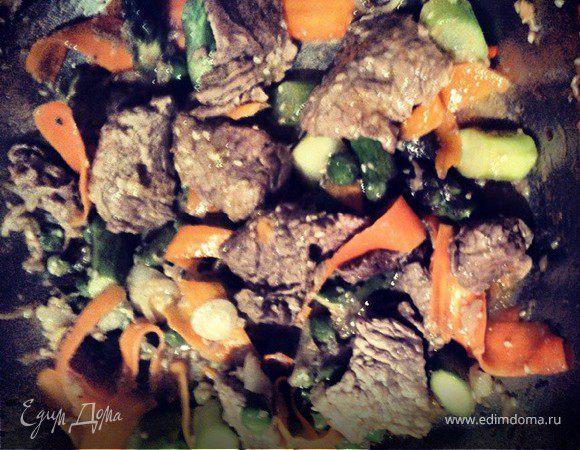 Овощи, поджаренные в воке
