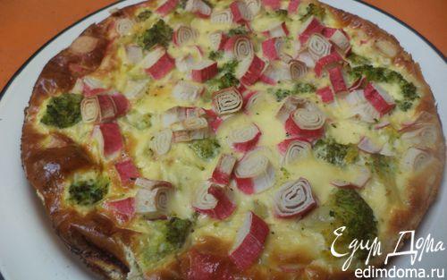 Рецепт Пирог из слоеного теста с брокколи и крабовыми палочками