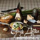 Болтунья с томатами и сыром Джюгас на тостах