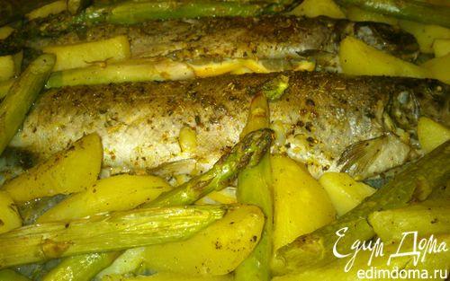 Рецепт Запеченная форель со спаржей и картофелем