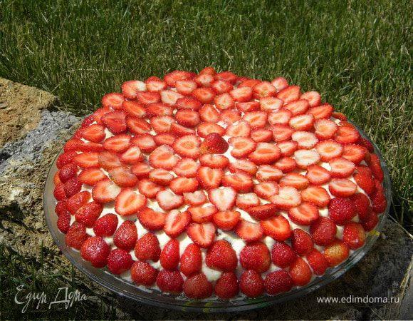 Зефирный торт с клубникой