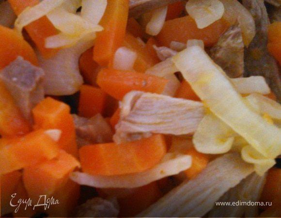 """Салат с говядиной и морковью """"Ом-ном-ном"""""""
