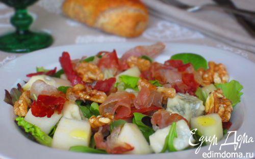 Рецепт Салат с грушей, горгонзолой и беконом