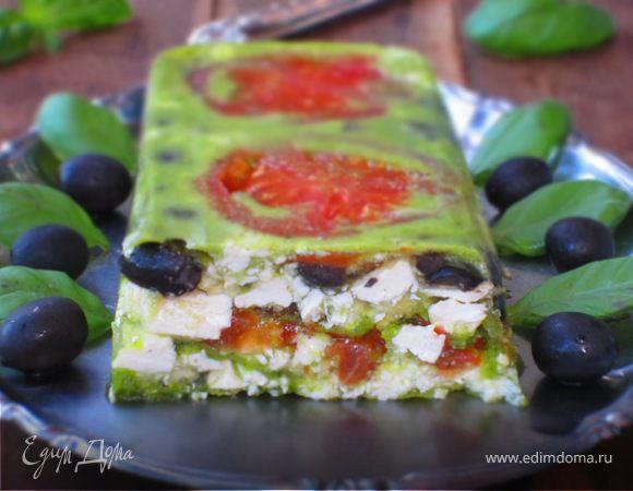 Террин с помидорами, фетой и оливками