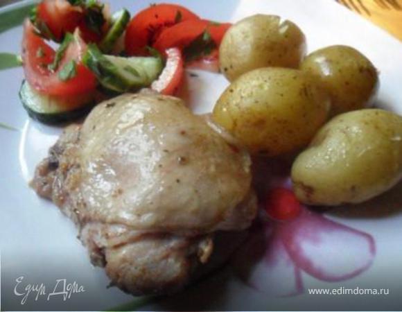 Курица с молодой картошкой в рукаве