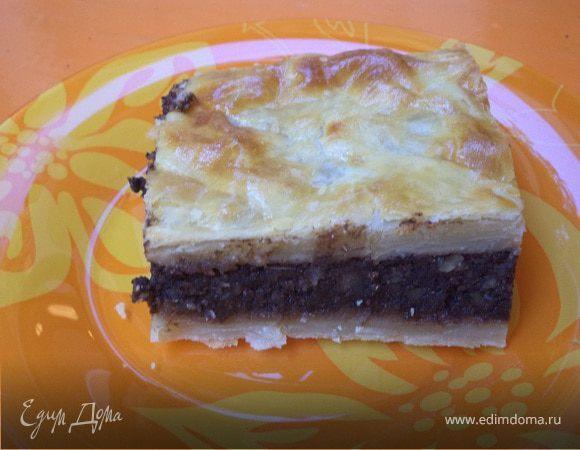 Пирог с шоколадно-ореховой начинкой