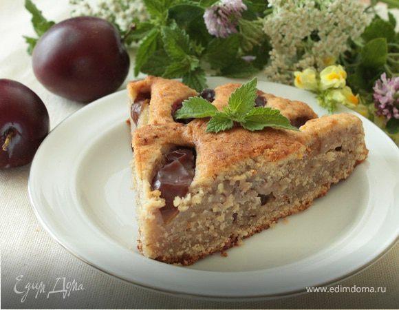 Творожно-ореховый пирог со сливами