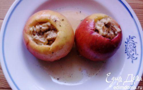 Рецепт Печеные яблоки с орехами и медом