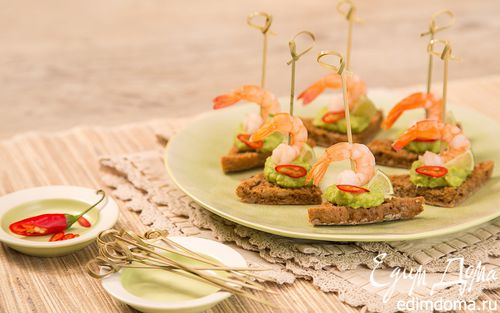 Рецепт Канапе с креветкой, гуакомоле и лаймом