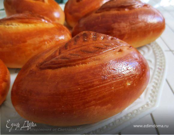 Пирожки с начинкой из картофельного пюре, лука и бекона