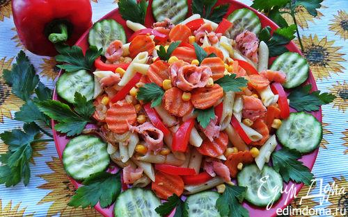 Рецепт Тёплый овощной салат с рыбой и пастой
