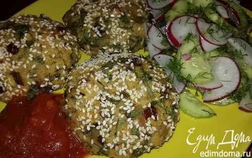 Рецепт Картофельные биточки с булгуром, грибами и вялеными томатами