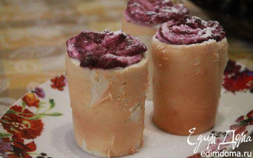 Рецепт Бисквитные стаканчики с черничным муссом