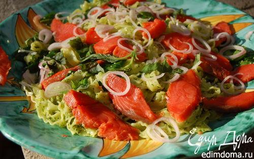 Рецепт Паста с кетой, шпинатом и соусом песто