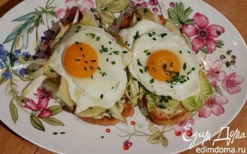 Рецепт Жареные яйца на тостах с цикорием и анчоусами