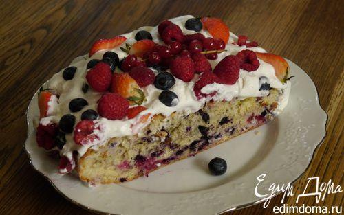 Рецепт Бисквит со сгущенкой и ягодами