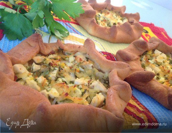 Мини-пироги с курицей и яйцом
