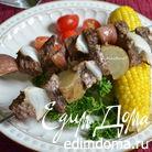 Перуанский говяжий кебаб с кукурузой