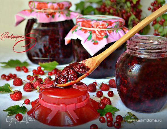 Малина в соке красной смородины