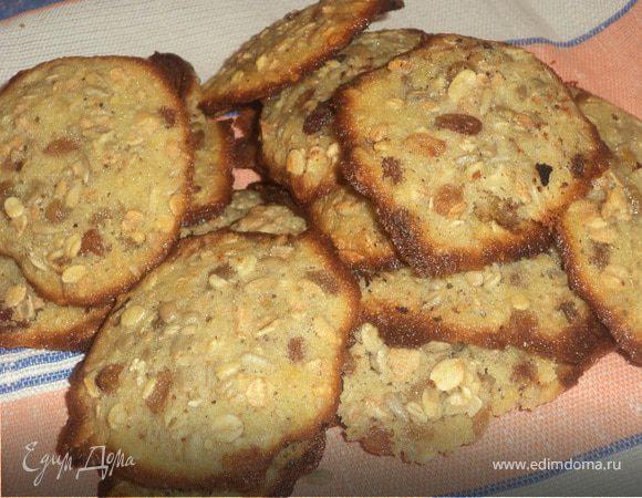 Овсяное печенье с изюмом и семечками