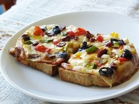 Пицца из черствого хлеба