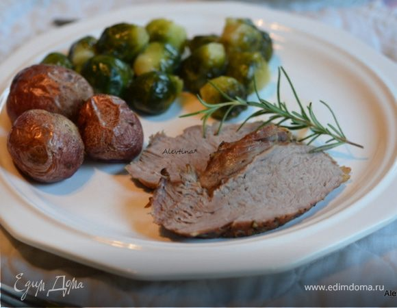 Жаркое из свинины с чесноком и розмарином