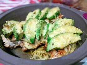 Куриное филе «Родео» с салатом из помидоров