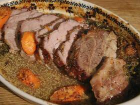 Свинина, запеченная в апельсиновом джеме с горчицей