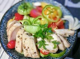 Острый помидорный салат с курицей
