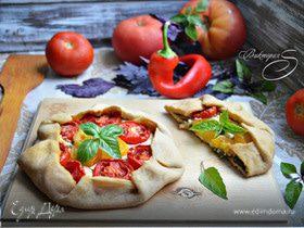 Галета с творогом, томатами и базиликом