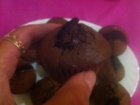Шоколадные кексы с печеньем