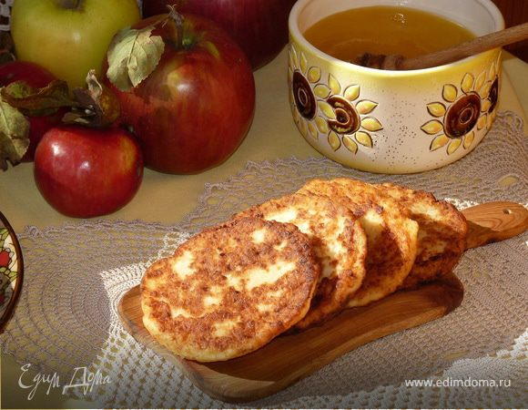 Медово-яблочные сырники
