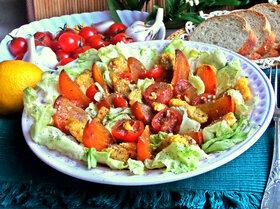 Салат с полентой и хурмой
