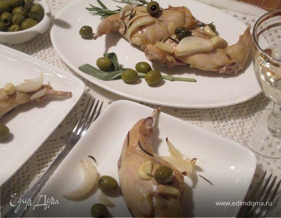 Кролик, запеченный с розмарином и оливками