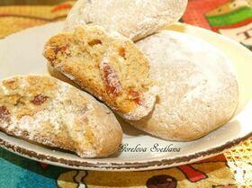 Йогуртово-овсяное печенье с вяленым кизилом