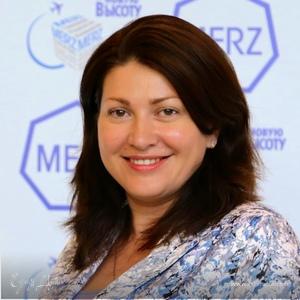 Анна Азарова