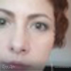 Анна Лексутова