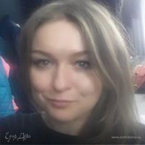 Таня Испенова