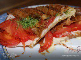 Круассаны с ветчиной, сыром и помидорами