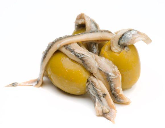 Оливки, фаршированные анчоусами
