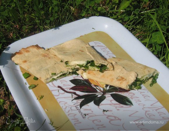 Лаваш с сулугуни и зеленью