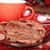 Шоколадный пирог с абрикосовой прослойкой