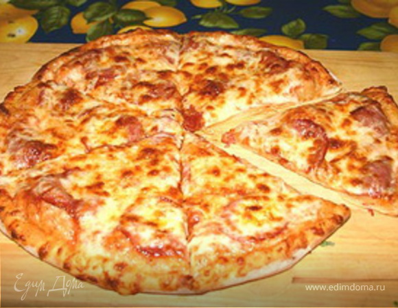 Пицца пепперони с беконом