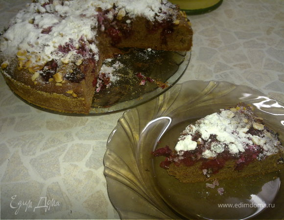 Вишневый пирог с орехами