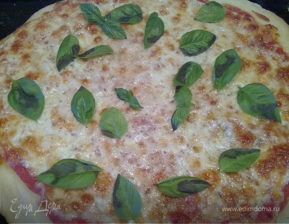 "Пицца ""Маргарита"" из дрожжевого теста на кефире"